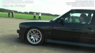 HD: BMW M3 V10 E30 vs BMW 325i tuned E30