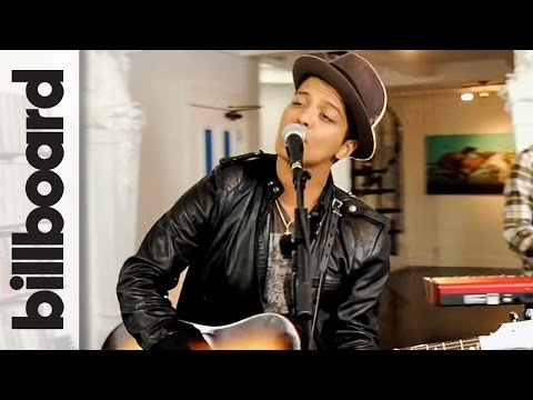 Bruno Mars - the Lazy Song (studio Session) Live!!!! video