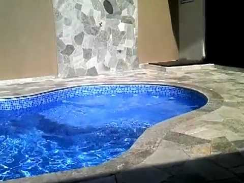 Area de lazer c piscina youtube for Piscina u de chile