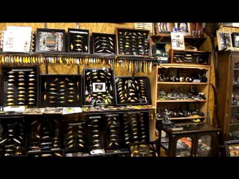 Hunting and fishing man cave youtube for Fishing man cave