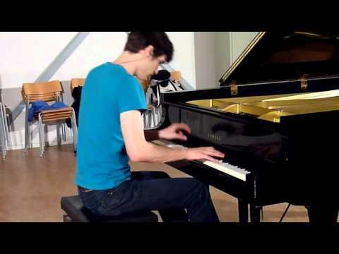 Sherlock Holmes: Discombobulate (Piano Virtuoso)