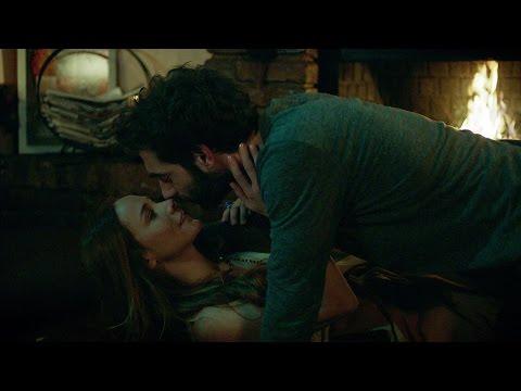 Poyraz Karayel 82. Bölüm - Poyraz ve Ayşegül'ün aşk sahnesi geceye damga vurdu!