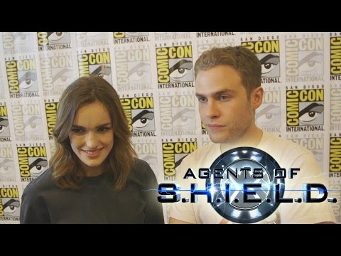 Agents of SHIELD's Elizabeth Henstridge & Iain De Caestecker Talk Season 2 - Comic Con 2014