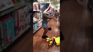 Bailando baby shark doo doo doo / Dancing baby shark doo doo doo