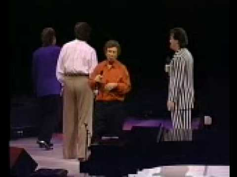 Gaither Vocal Band - I Wanna Put My Armour On video