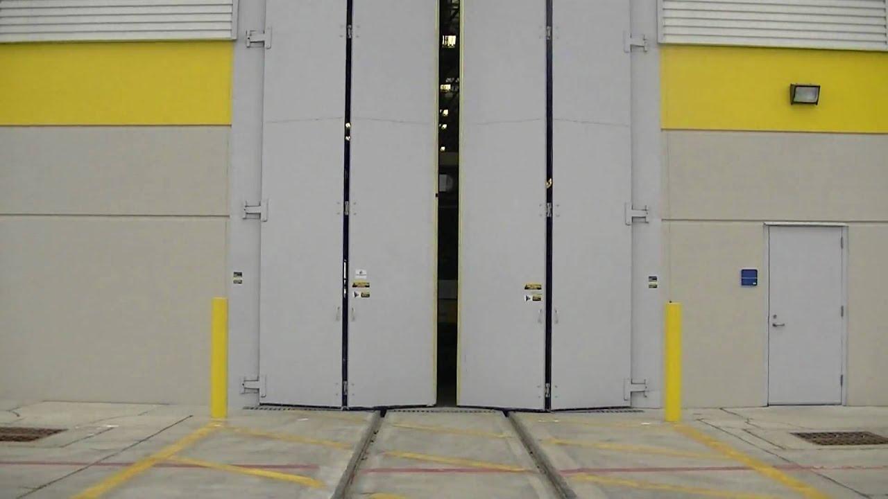 1080 #A29229 Four Fold Door Overhead Door Co. Of Dallas Commercial   pic Garage Doors Dallas 36311920