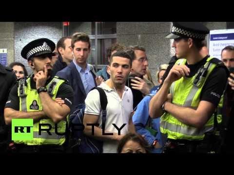 Kurds against ISIS: Protesters occupy London tube