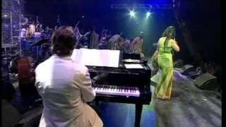 Wombo Lombo-Angelique Kidjo