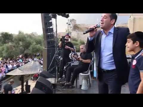 חיים ישראל ובנו דניאל בחברון סוכות 2014