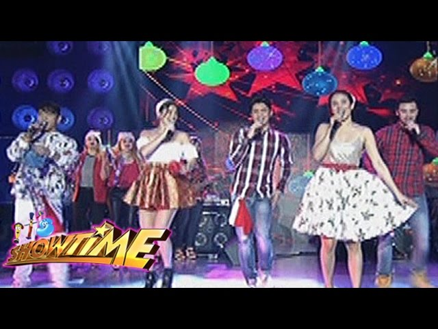 It's Showtime: It's Showtime hosts with Aegis Band sing Pinoy Christmas carols