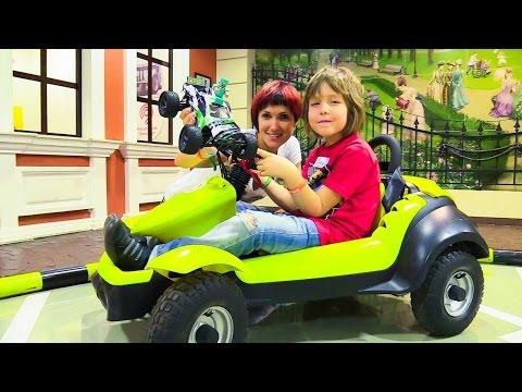 Видео для детей: Стив (Minecraft), Маша КАПУКИ КАНУКИ и АДРИАН: Водим машину в МАСТЕРСЛАВЛЕ!