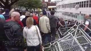 EDL Rotherham 13 09 2014 Walk Through Barriers