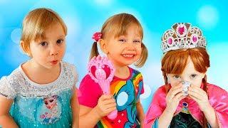 مضحك الاطفال نتظاهر اللعب مع اللعب ماجيك فيديو للأطفال الصغار