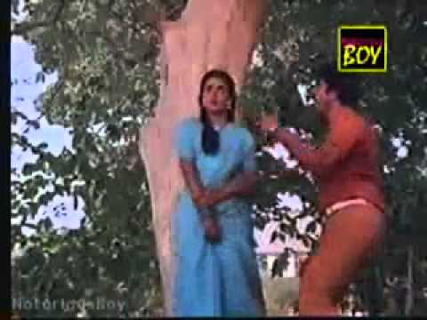 Mammootty Dance +maane Madhura Karimbe (malayalam Film Song)-1983 - Youtube.mp4 video
