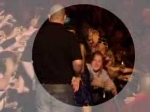 Amy Winehouse Punches a Fan! Glastonbury 08 Video