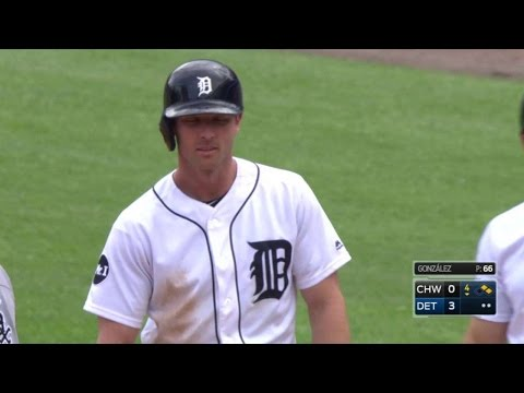 CWS@DET: Romine knocks an RBI single to left field