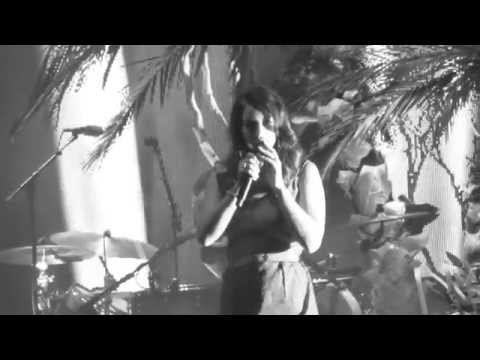 Lana Del Rey - Blue Jeans - Live  Hollywood Forever Cemetery 10-18-14 In Hd video
