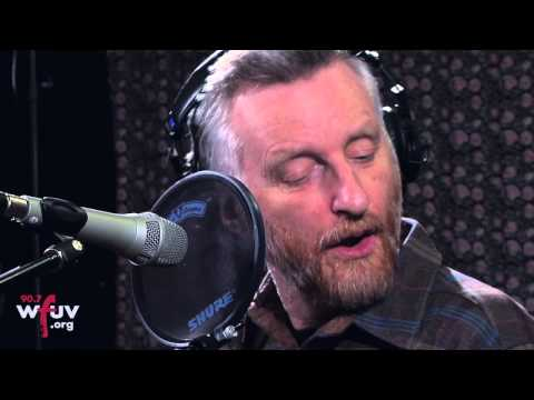 Billy Bragg -  &quot;Handyman Blues&quot; (Live at WFUV)
