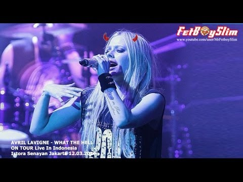 Avril Lavigne Play Audience - What The Hell Live In Jakarta, Indonesia 2014 video