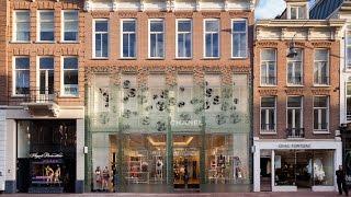 Download Lagu MVRDV replaces Chanel store's traditional facade with glass bricks Gratis STAFABAND