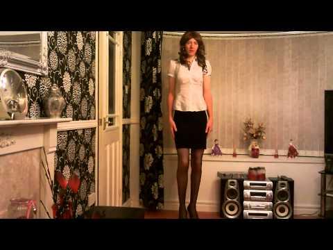 Crossdresser in Black Skirt and Black Heels Agian 31/10/2014