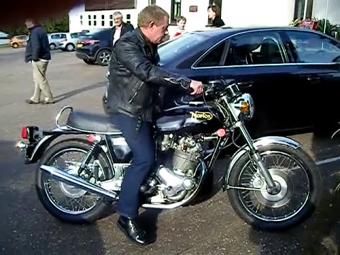 Starting a '72 Norton Commando
