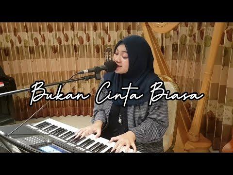Download BUKAN CINTA BIASA - SITI NURHALIZA  SHORT LIVE COVER  Mp4 baru