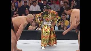Big Show attempts to overpower sumo champion Akebono at