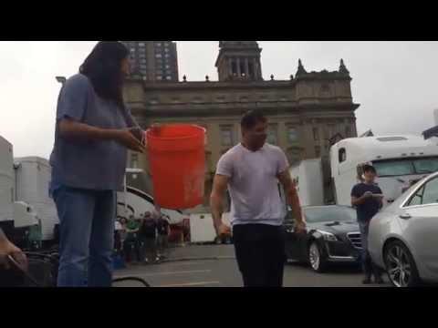 ALS Ice Bucket Challenge Zack Snyder