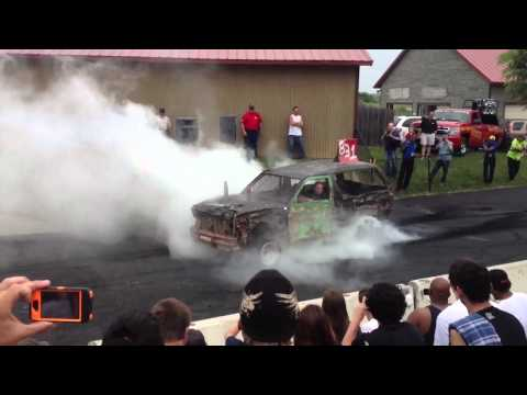 Badass Burnout Contest Blows Tires!!