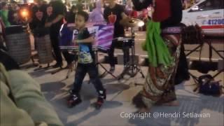 """download lagu Keren Joget Pake Sepatu Roda """"ra Kuat Mbok"""" - gratis"""