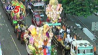 Vinayaka Nimajjanam Continues on 2nd Day in Hyderabad | Telugu News | TV5 News