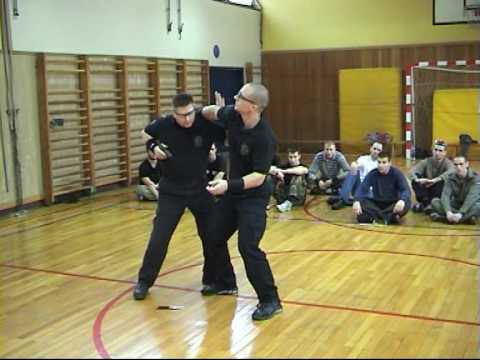 Extreme Knife fighting Image 1