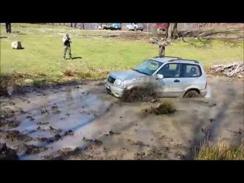 Suzuki Grand Vitara: trecere balta off-road