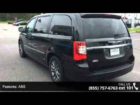 2016 Chrysler Town & Country S - Posner Park Chrysler - D...