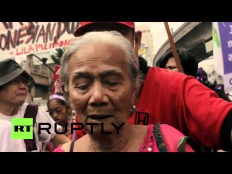 Philippines:  Ex-'comfort women' protest Japanese militarism as Emperor Akihito hits Manila