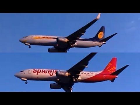 JET AIRWAYS & SPICEJET BOEING 737 LANDING AT MUMBAI AIRPORT