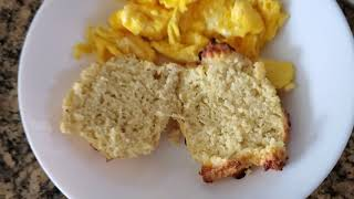 Keto Biscuits & Sausage Gravy With Scrambled Eggs │Easy Keto Recipes│Keto Brunch Ideas