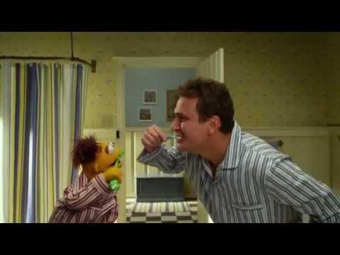 Que Bueno es vivir(INICIO)-Los Muppets (2011)