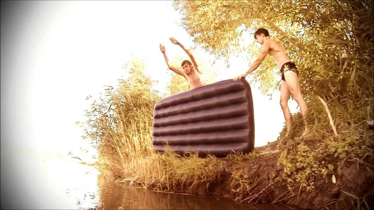 Парни в озере купались, ничего там не нашли