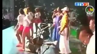 Koffi Olomide - extrai Nuit de la Francophonie live au Stade des Martyrs ( kinshasa )
