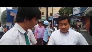 Ông Đoàn Ngọc Hải bắt tài xế taxi đi ỉa.