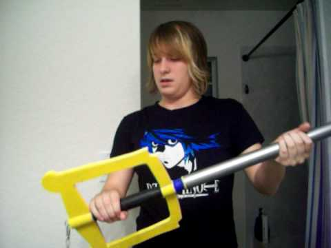 How to make a keyblade out of wood!