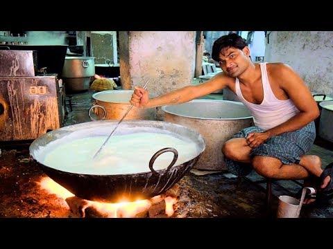 DIVINE Indian Street Food in Jaipur India - VEG + NON VEG HEAVEN | RAJASTHANI Street Food in India