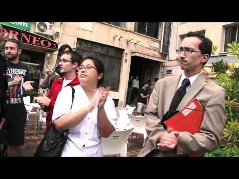 Manifestation devant le consulat français à Valence contre la violence policière a la Bastille
