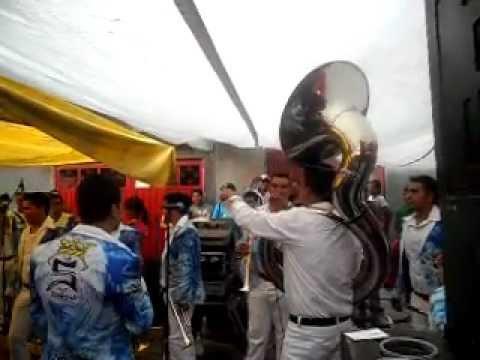 Banda La Super Corona - Tecateando