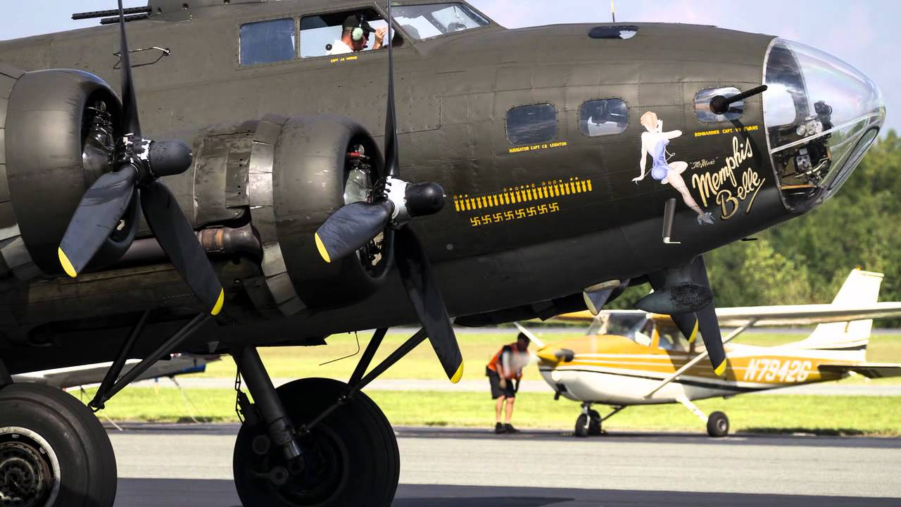 Memphis Belle B-17 Flying Fortress - YouTube