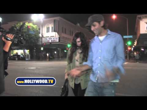 Rumer Willis Makes The Paparazzi Dance