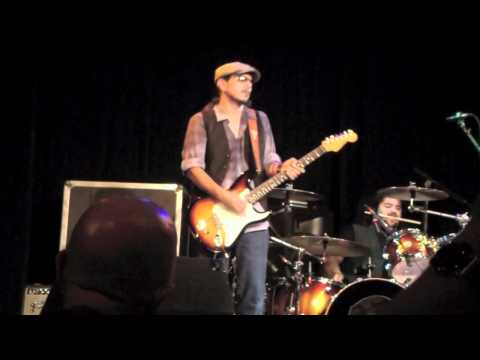 Los Lonely Boys - Instrumental 9-16-2011 Carrboro, NC