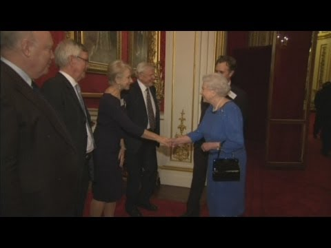 The Queen performs for the Queen (and Kate)